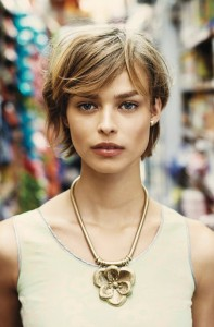 bloom_necklace_model_alt